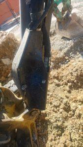 ヤンマーユンボB3Σのブームの付け根を外傷で破損