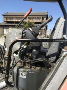 ミニショベルの油圧ホース劣化による油漏れ