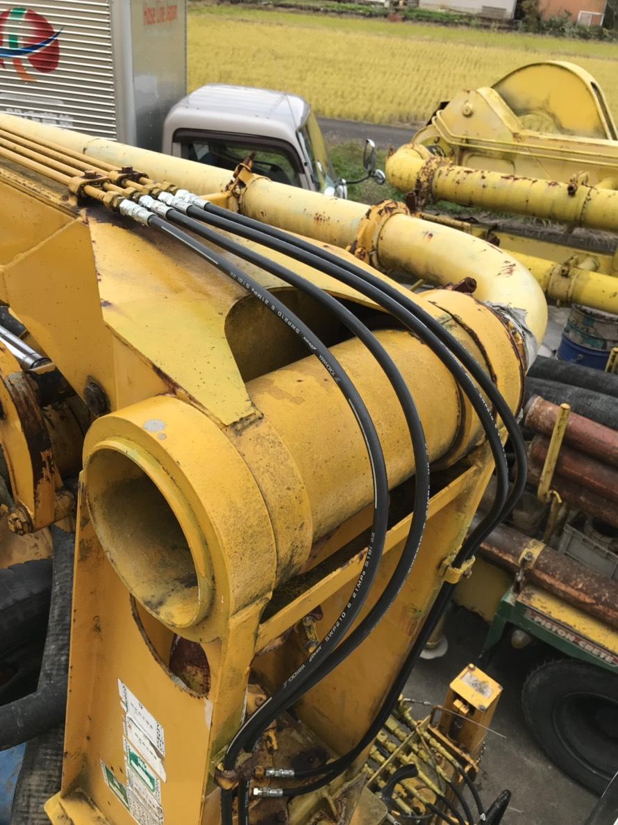 コンクリートポンプ車_第一ブーム可動部油圧ホース