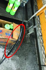 洲本高圧洗浄機 大海 SW-1500E_擦れ対策の黒チューブ